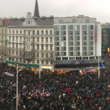 Österreich: 70.000 gegen Schwarz-Blau auf der Straße