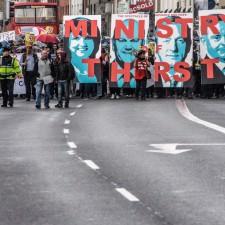 Massenbewegung gegen Wassergebühren in Irland