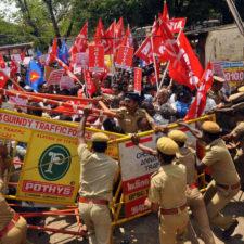 Indien: 180 Millionen Beschäftigte streiken